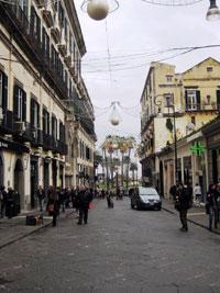 Napoli Via Calabritto