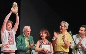 la compagnia ritira il premio del 6° concorso Artisti in Vetrina di Cologno Monzese