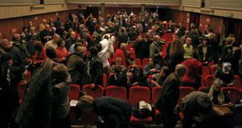 il pubblico nella serata del debutto